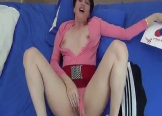 Slutty stepmom want to taste my hard dick